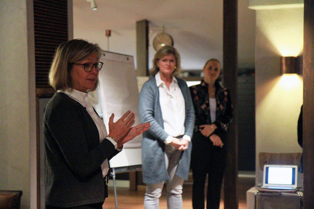 Yksi tilaisuuden järjestäjistä Marika Andersson kertoi, mikä hänet sai liittymään mukaan Ladies for Peace -naisverkostomme toimintaan.
